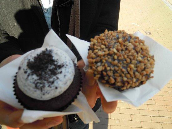 Van Ness Cupcake:                   cookies and creme, chocolate hazelnut