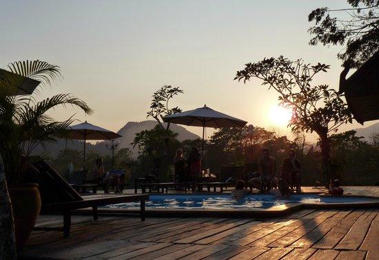 Villa Vang Vieng Riverside:                   Sunset