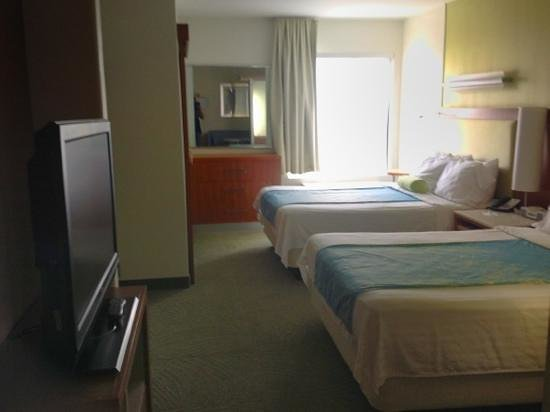 SpringHill Suites McAllen: beds