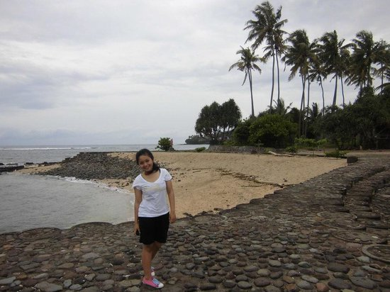 Senggigi Beach:                   Senggigi Cloudy in the morning
