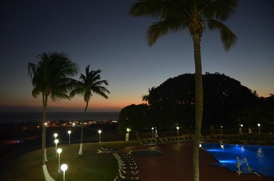 Holiday Inn Ponce & Tropical Casino: Sunset