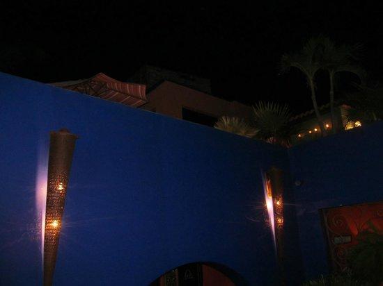 Hotel California:                   Alcove