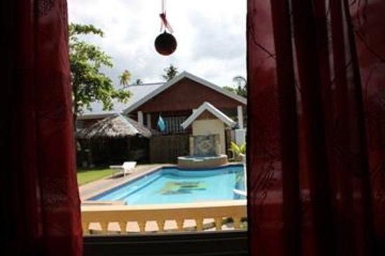 Isola Bella Beach Resort:                   Blick aus Schlafzimmerfenster