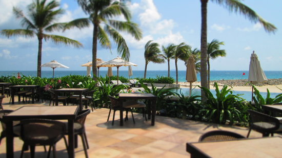 Mia Resort Nha Trang:                                     near the pool
