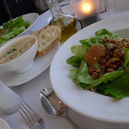 True Bistro: Boston Lettuce Salad