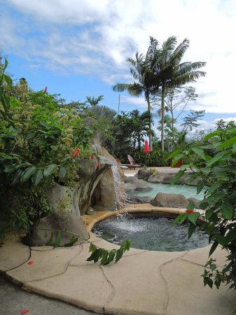 Hotel Mountain Paradise:                                     Hot pool & cold tub