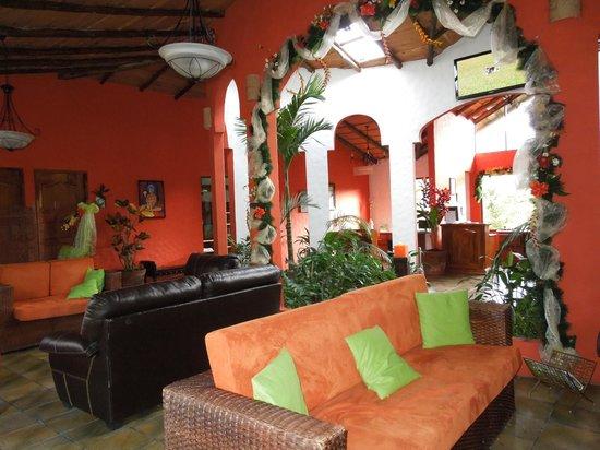 Hotel Mountain Paradise:                                     Lobby