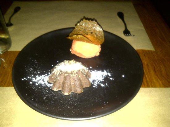 J & G Steakhouse at the Phoenician:                   YUMMY dessert in the desert!!!