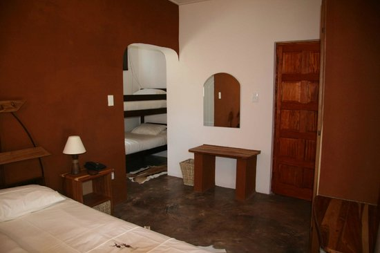 Suricate Town Lodge: Family room