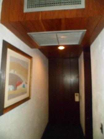 Antara Hotel: La entrada de la habitacion