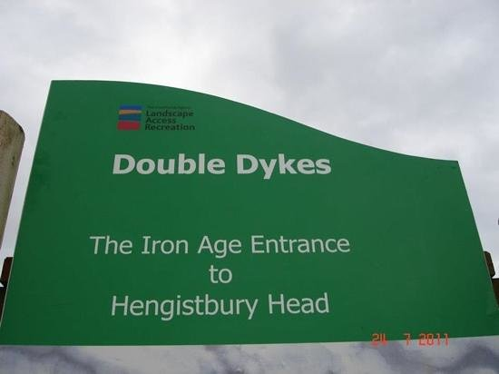 Hengistbury Head :                   double dykes