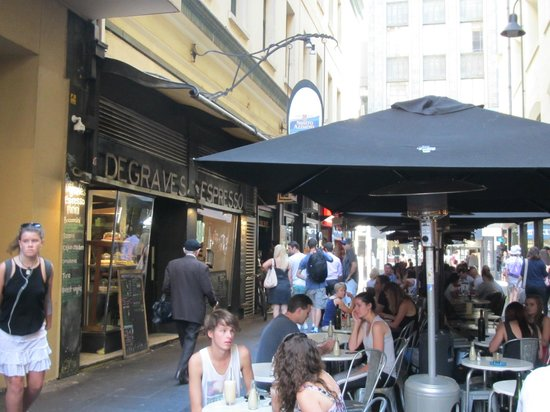 Degraves Espresso Bar: Great to eat in and out