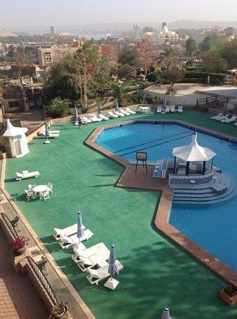 Basma Hotel:                   vue sur la piscine