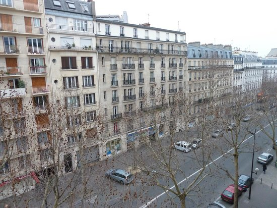 Grand Hotel Francais:                   The street view from our room