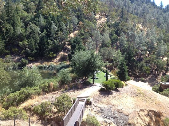 Calistoga Ranch, An Auberge Resort:                                     View of Lommel Lawn from Yoga Deck and hiking trail