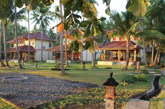 Holiway Garden Resort & Spa: Holiway Garden Resort right on the beach