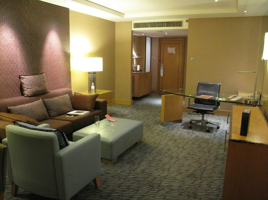 Holiday Inn Bangkok Silom:                   Lounge area of suite