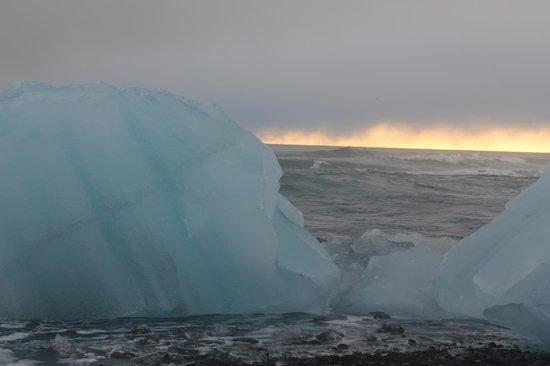 Λιμνοθάλασσα Γιόκουλσάρλον:                   Stunning scenery.