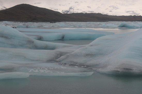 Λιμνοθάλασσα Γιόκουλσάρλον:                   Phenomenal place.