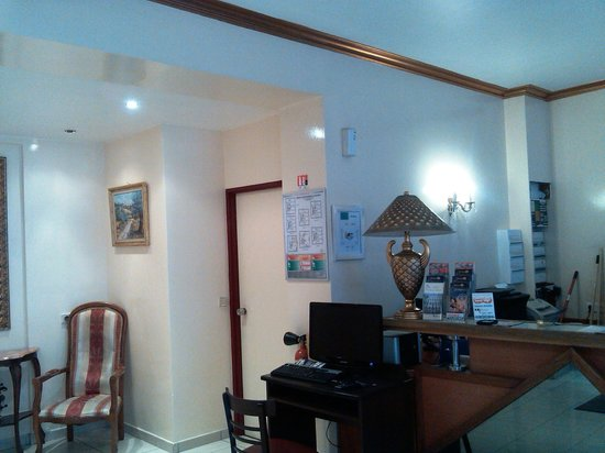 Hotel St. Georges Lafayette: front desk