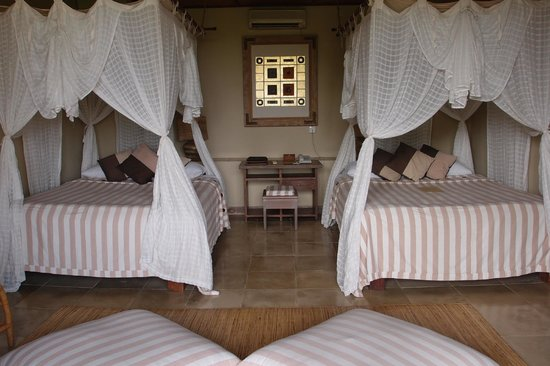 Wapa di Ume Resort and Spa: Double beds- even though I had booked a King