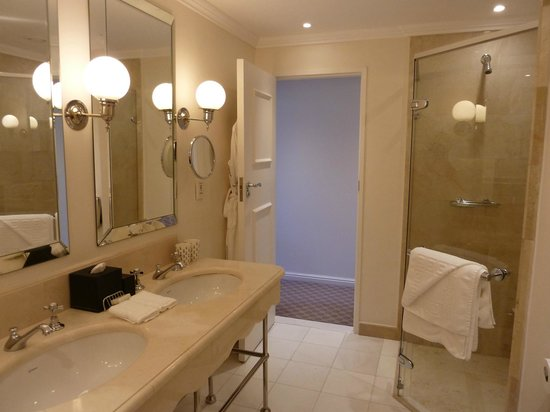 Belmond Mount Nelson Hotel: Bathroom