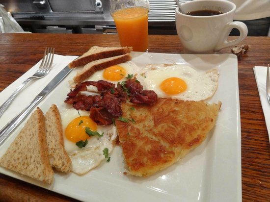 ellis island cafe:                   Brunch Harpo
