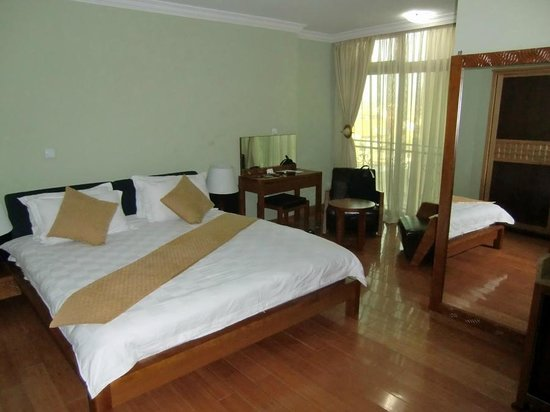 Empire Addis International Hotel : Large rooms