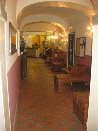 Il Guelfo Bianco: Reception area