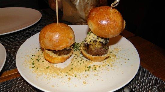 Vezene: Mini Wagyu Burgers