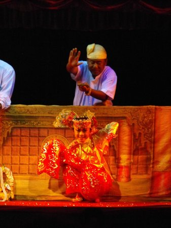 Mandalay Marionettes Theater : Mandalay Marionettes: with one puppeteer
