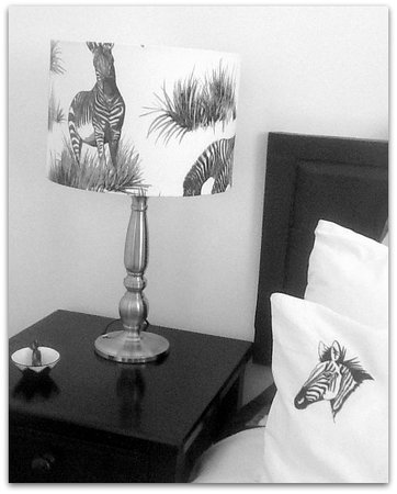 Impangele B and B & Self Catering Cottage: Zebra lamps