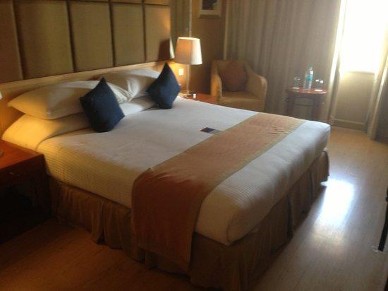 Ellaa Hotel :                   bedroom