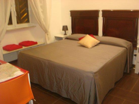 Guest House Maison Colosseo :                   Giunone 1