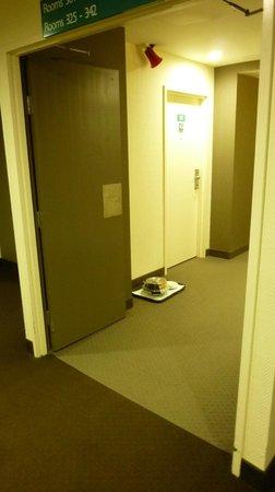 Novotel Rotorua Lakeside: I corridoio con il vassoio
