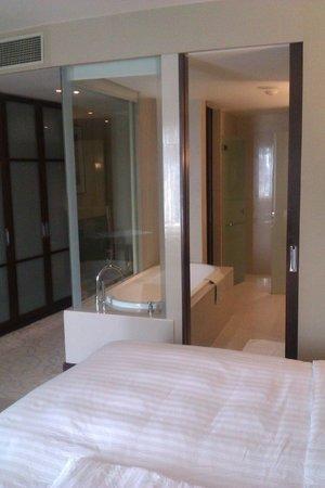 Pullman Bangkok Grande Sukhumvit:                   Large, well equiped, modern bedroom