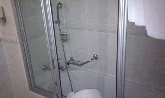 Orient Express Hotel:                                     salle de bain