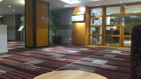 Holiday Inn Birmingham City Centre: Restaurant and bar hall