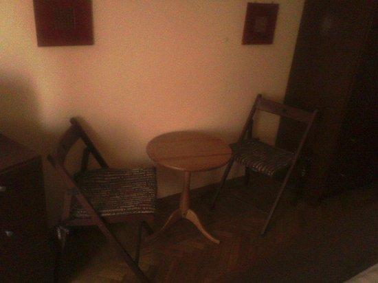La Stella di Roma B&B:                   tavolino