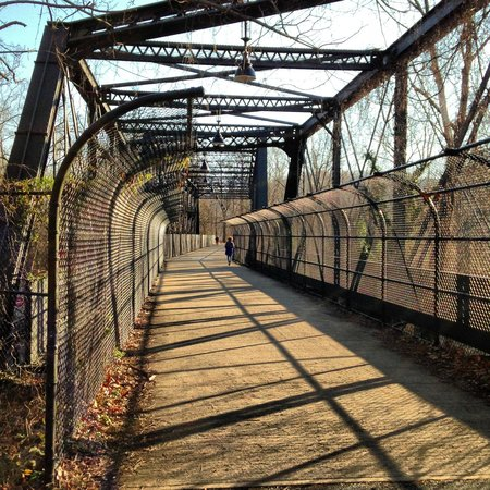 Distretto di Columbia:                   Arizona Ave Bridge at capital crescent trail