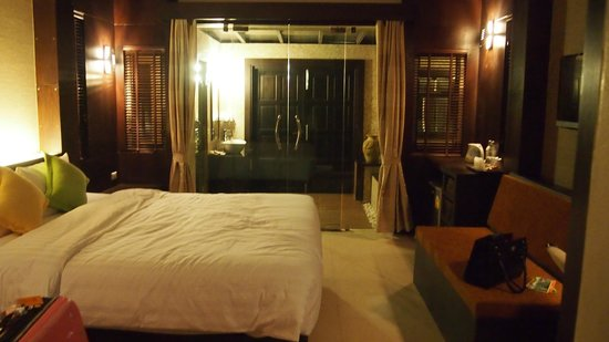 Tup Kaek Sunset Beach Resort:                   Our room - beach bungalow