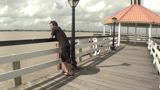 Torarica Hotel & Casino: Pier and Suriname River.