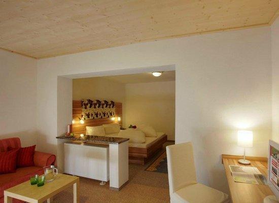 Panorama Hotel Talhof: PanoramaSuite mit Wintergarten