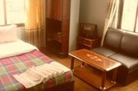 Hotel Budget Multiplex (P.) Ltd:                   Room with great interior