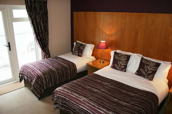 Royal Court Hotel : Executive Room with Sea View & Balcony