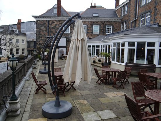 BEST WESTERN Moores Central Hotel: Roof Terrace from the Terrace