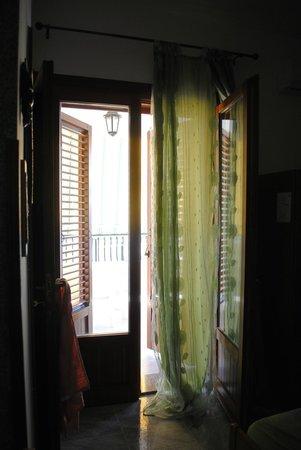 B&B Nereidi : Looking out the balcony door