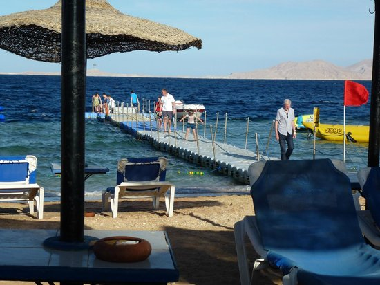 Sultan Gardens Resort:                   There is great snorkelling of the end of the jetty