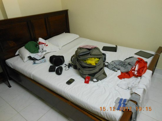 Lan Anh Hotel: Small room worth for the rent