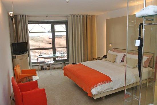 Design Hotel Josef Prague:                   Window front